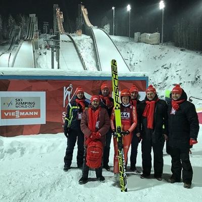 Представители Viessmann совместно с партнерами на соревнованиях по прыжкам на лыжах с трамплина